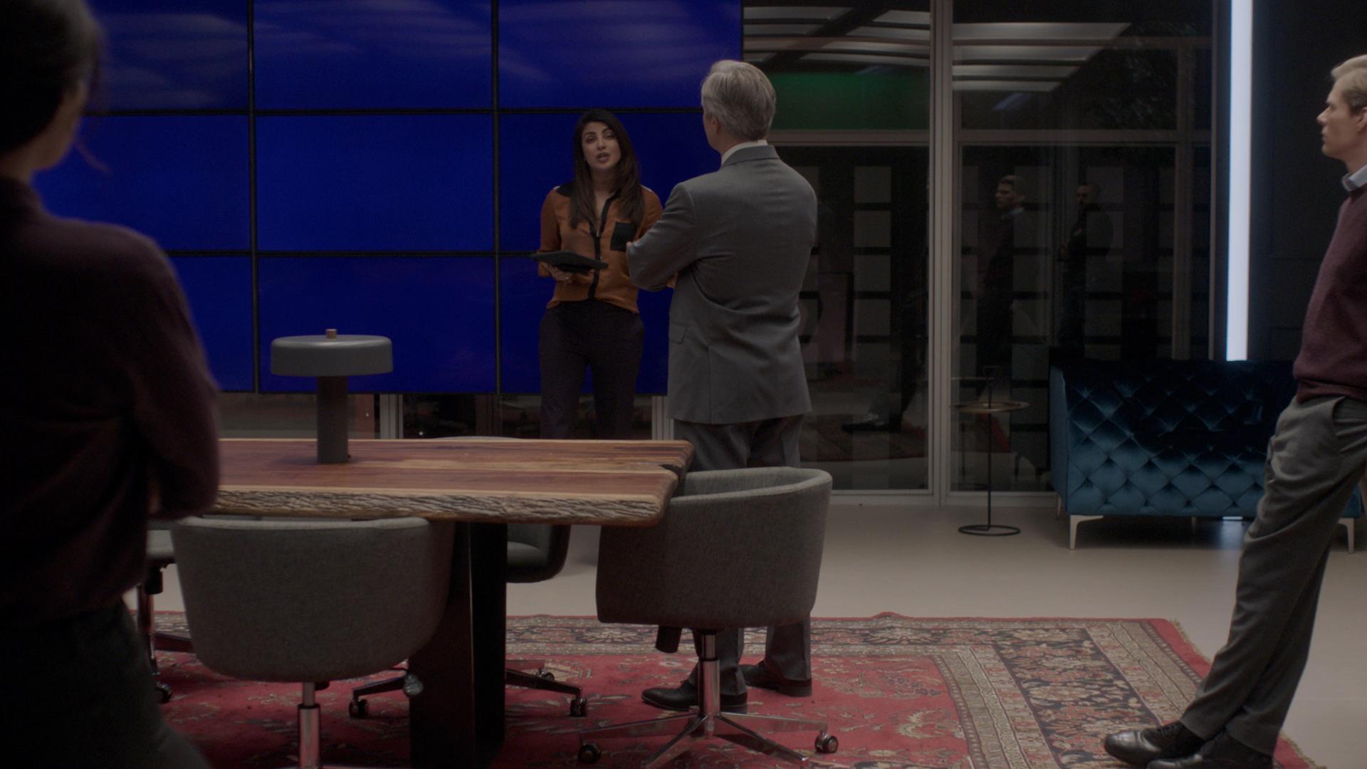 Actors in front of blue screen
